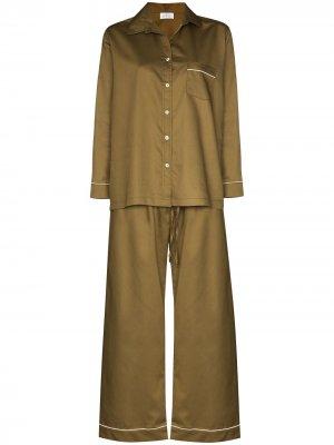 Атласная пижама Pour Les Femmes. Цвет: зеленый