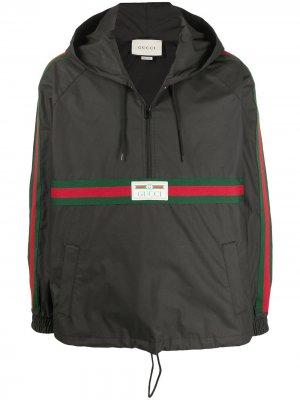 Ветровка с логотипом Gucci. Цвет: черный