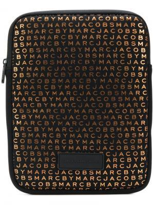 Чехол для ноутбука с принтом монограмм Marc By Jacobs. Цвет: черный