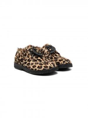 Туфли на шнуровке с леопардовым принтом ZECCHINO D'ORO KIDS. Цвет: коричневый