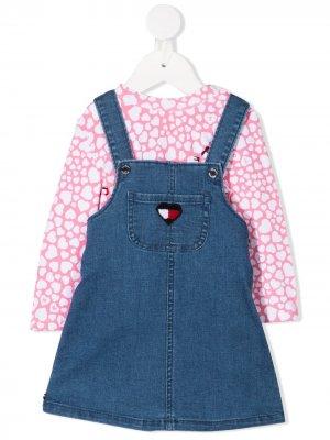 Комплект из топа и джинсового сарафана Tommy Hilfiger Junior. Цвет: розовый